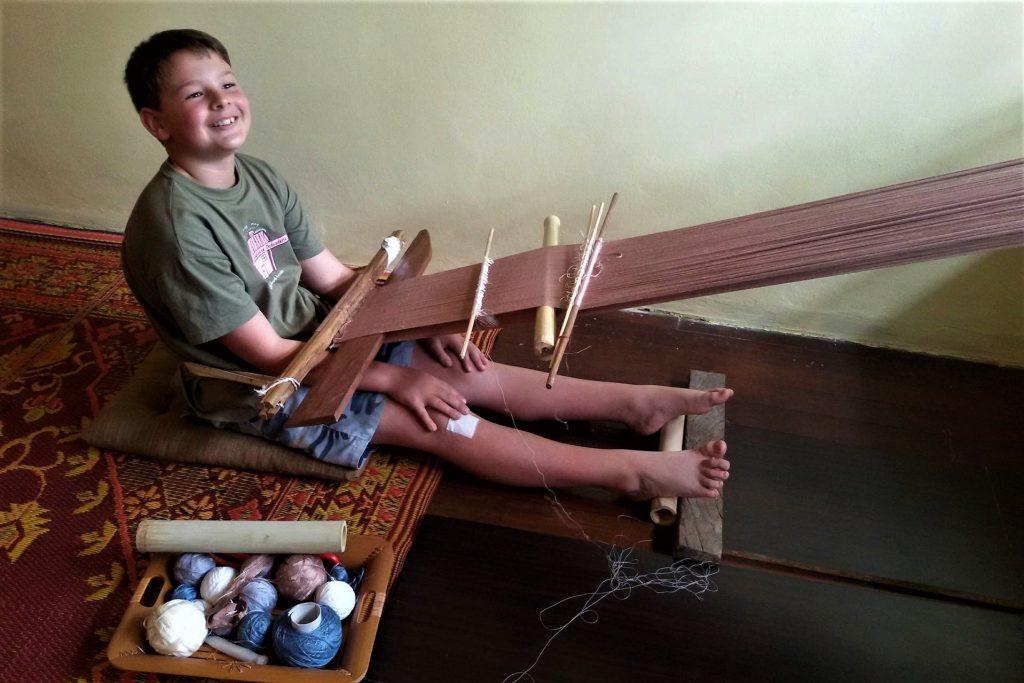 hill-tribe-weaving-class-chiang-mai