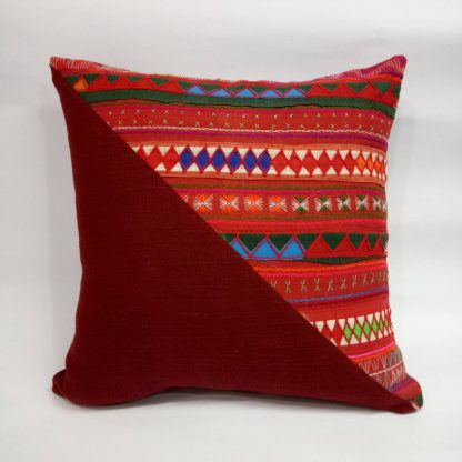 fairtrade_cushion_hilltribe_cushion_triangle_design